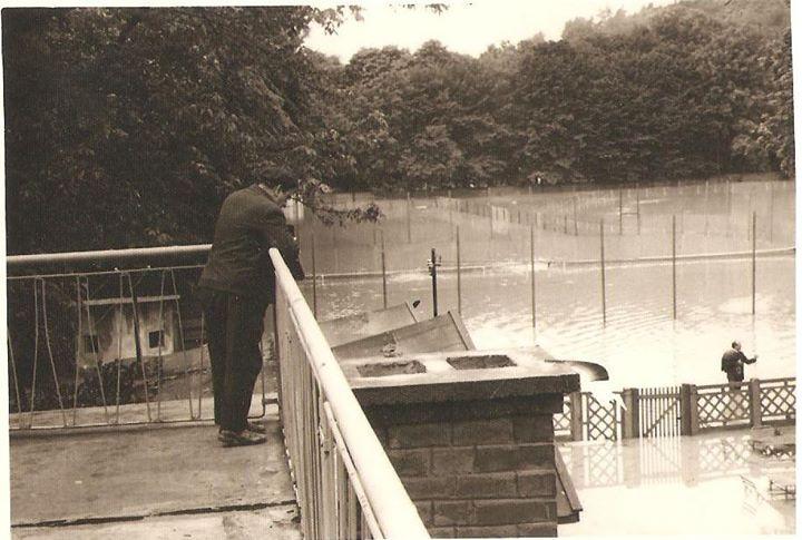 1 Dej 1970_ In dreapta se poate observa gardul de la renumitul PFL