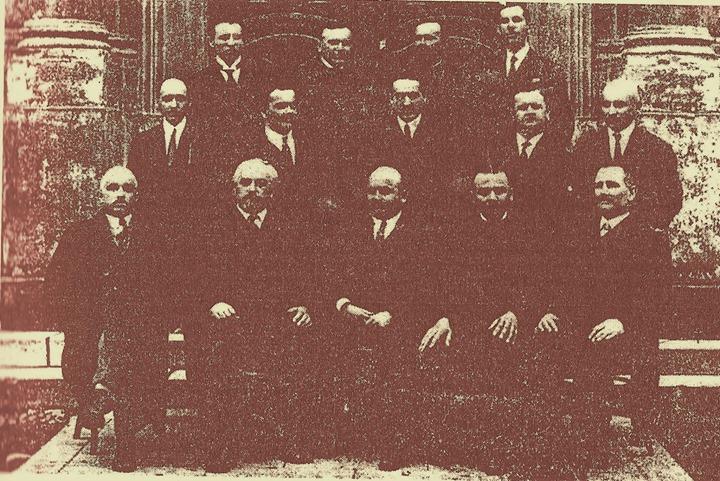117 Profesorii Liceului din Dej in 1928