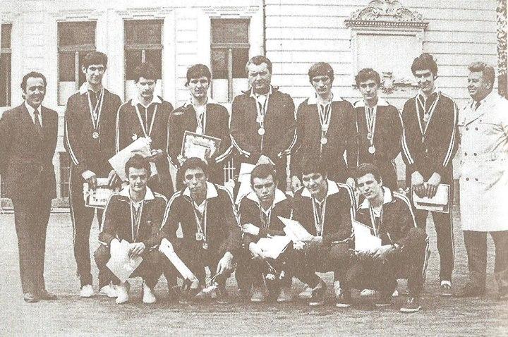 122 Dej, 1970, echipa de volei baieti de la Liceul _Andrei Muresanu