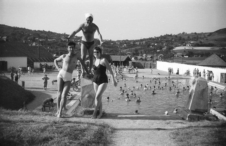 39 Dej, 1965, Strandul de la Ocna_ Ai, lumeeeee!!!