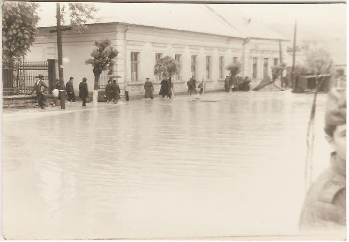 4 Dej, inundatii 1970_ Liceul _Andrei Muresanu
