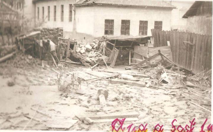 50 Dej, inundatii 1970_ Pare a fi langa Liceul _Andrei Muresanu