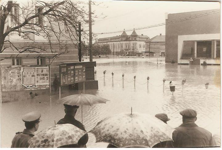 7 Dej, inundatii 1970_ Fotografie facuta din fata de la _Arta