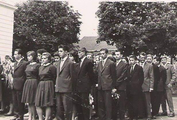 89 Dej, 1962_ Absolventi ai Liceului _Andrei Muresanu_ Din colectia personala a lui Ferenc Gallov